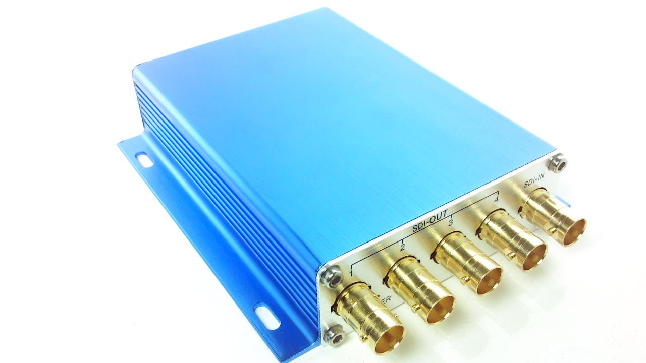 Artikelfoto 4-fach 3G-SDI Verteiler Verstärker mit Signalaufbereitung blue edition